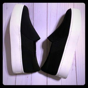 VINCE- flatform sneakers NWOT- NEVER WORN!!!🖤🖤